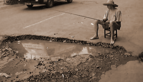 Pothole Pic detail image