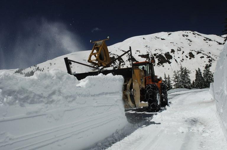 Independence Pass - snowplow