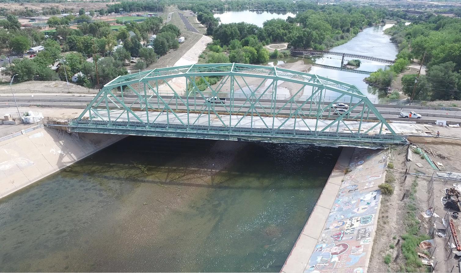 New traffic pattern Santa Fe Avenue at the Green Truss Bridge