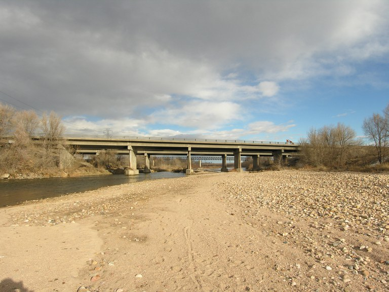 Eastbound I-76 over South Platte River