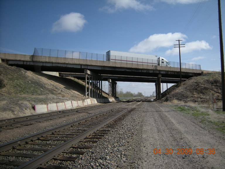 Eastbound I-76 over Union Pacific Railroad
