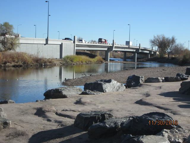 Soutbound Santa Fe with bridge complete detail image