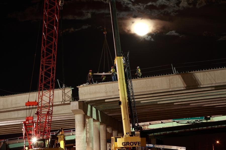 Wadsworth Pkwy Bridge Nighttime Girder Installation 03.29.13 detail image