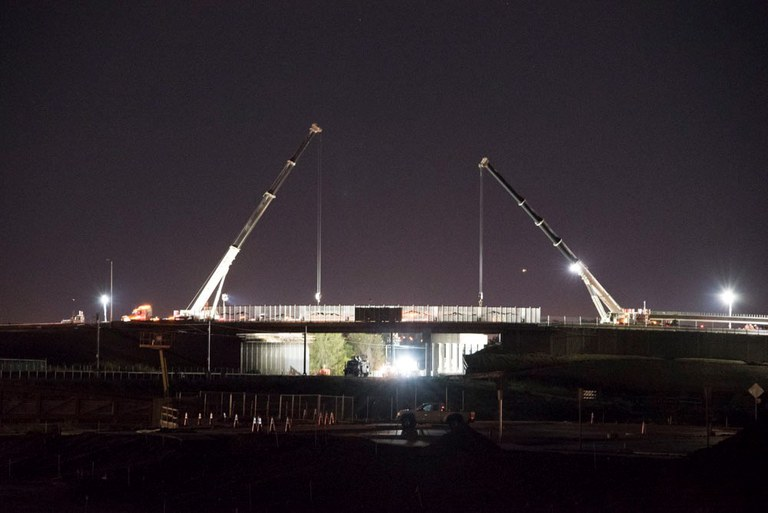 Cranes-69th-Federal-bridge.jpg