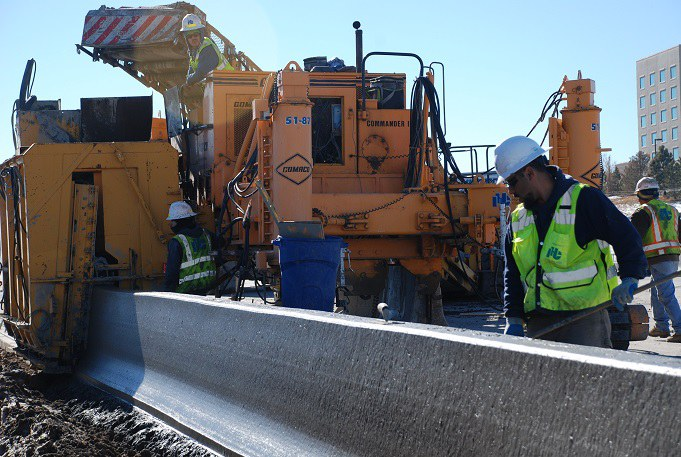06. Northbound I-25 barrier wall installation (January 2015)