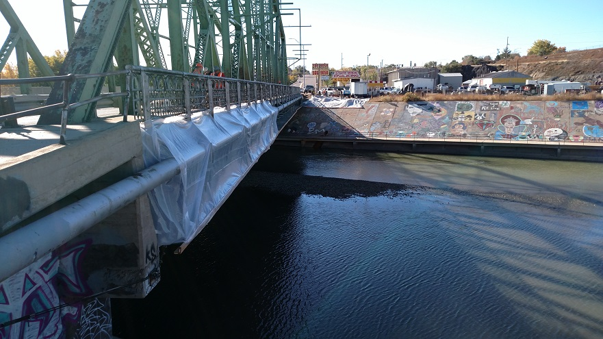 Paint removal from Green Truss Bridge 10-27-15 detail image
