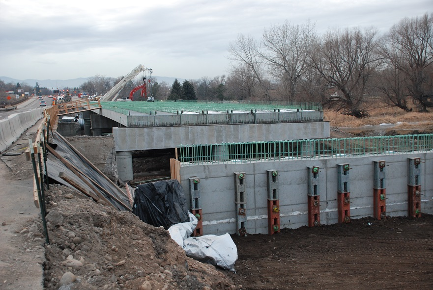 SH14 Dec2014 girder placement