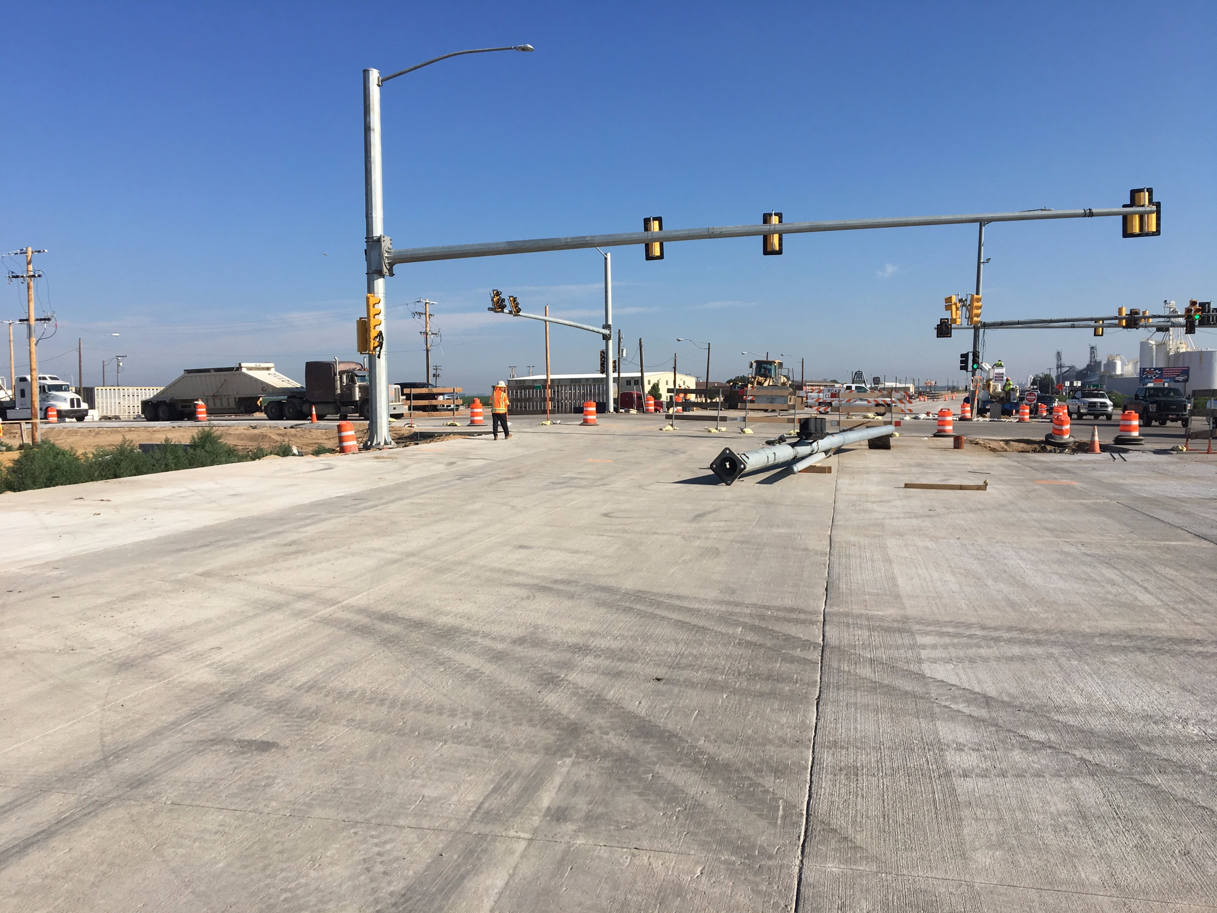 US 85 and CO 392 Installing New Signal Poles