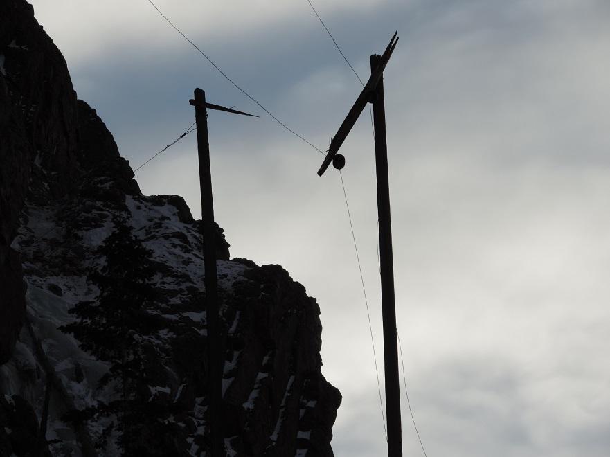 550 mm90 power pole close