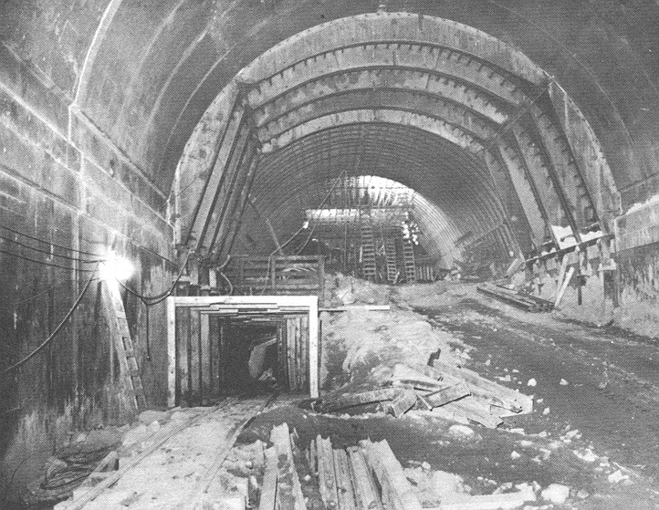 Eastbound Stub Tunnel, Pioneer Bore on Left