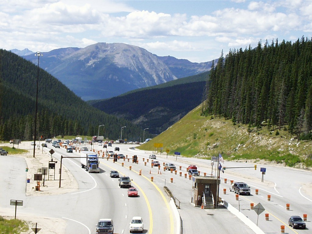 Reverse Lane is periodically implemented on Sunday afternoons during peak traffic weekends, in order to provide for uninterrupted traffic flow for eastbound motorists.